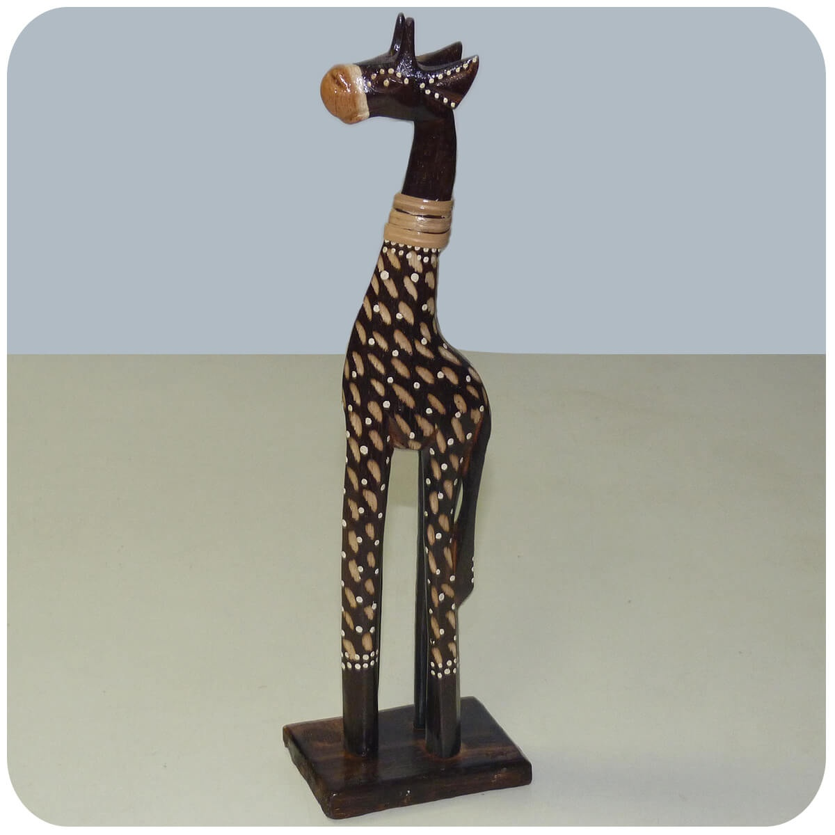 holz figur skulptur abstrakt holzfigur afrika handarbeit deko giraffe bemalt ebay. Black Bedroom Furniture Sets. Home Design Ideas