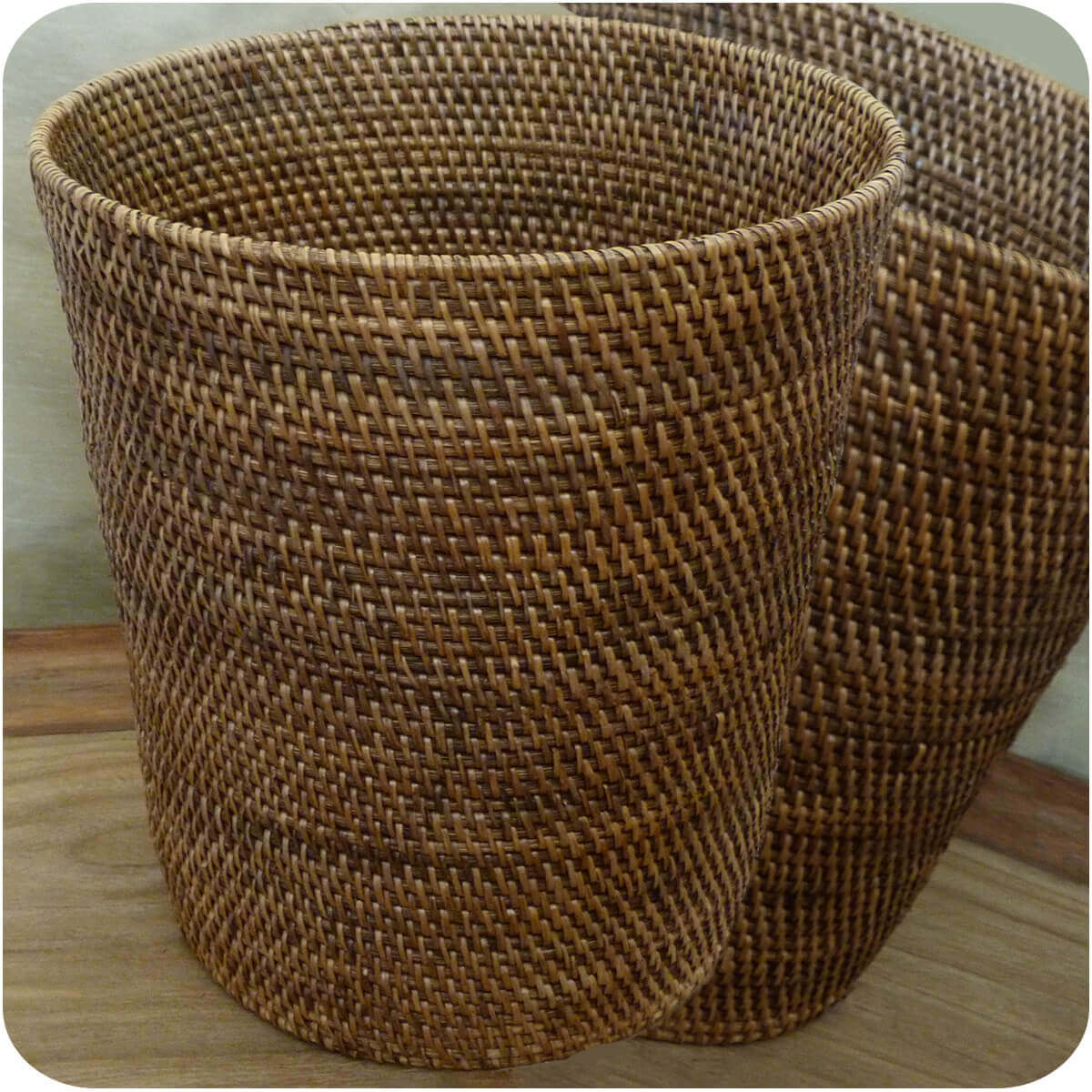 rattan papierkorb burma flechtkorb basket korb deko unikat handarbeit natur rund ebay. Black Bedroom Furniture Sets. Home Design Ideas